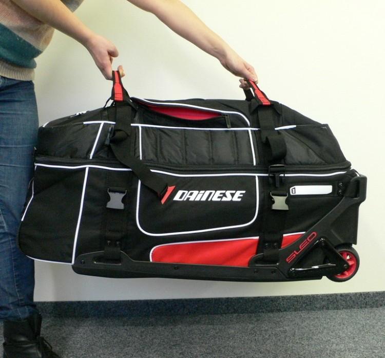 Cestovní taška kufr Dainese D-RIG (Ogio) s madlem a kolečkama ... 2e815f60f3